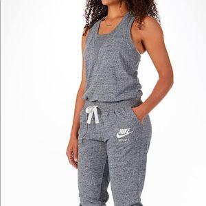 Nike Gym Vintage Lightweight Sleeveless Jumper
